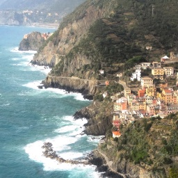 Cinque Terre back on alert