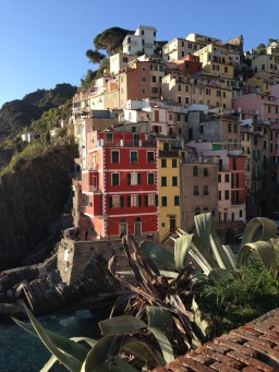 Cinque Terre National Park schedule for guided tours & excursions: May 2016