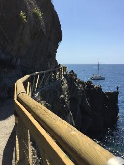 """Take a detour on the """"Terzo Binario"""" in Riomaggiore"""