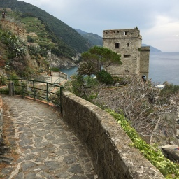 Cinque Terre guided tours & excursions: August 2018